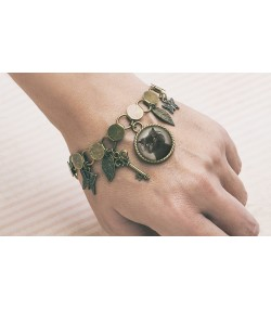 Antique bronze bracelet