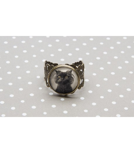 Antique bronze cat ring